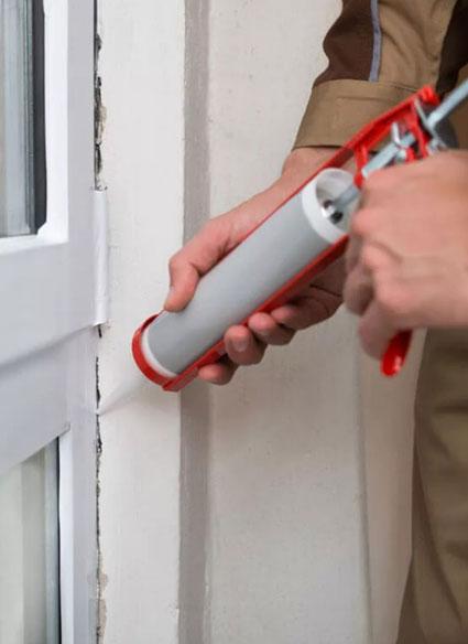 Правильная герметизация швов на окнах